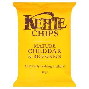 KETTLE CHIPS MATURE CHEDDAR & RED ONION (40g) x 18